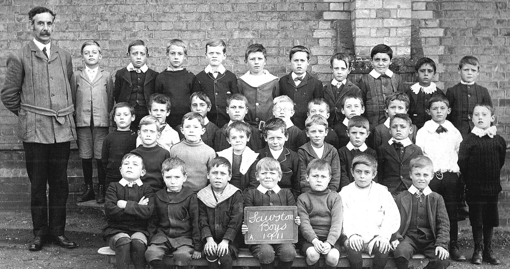 Joh Falkner schoolboys, 1911
